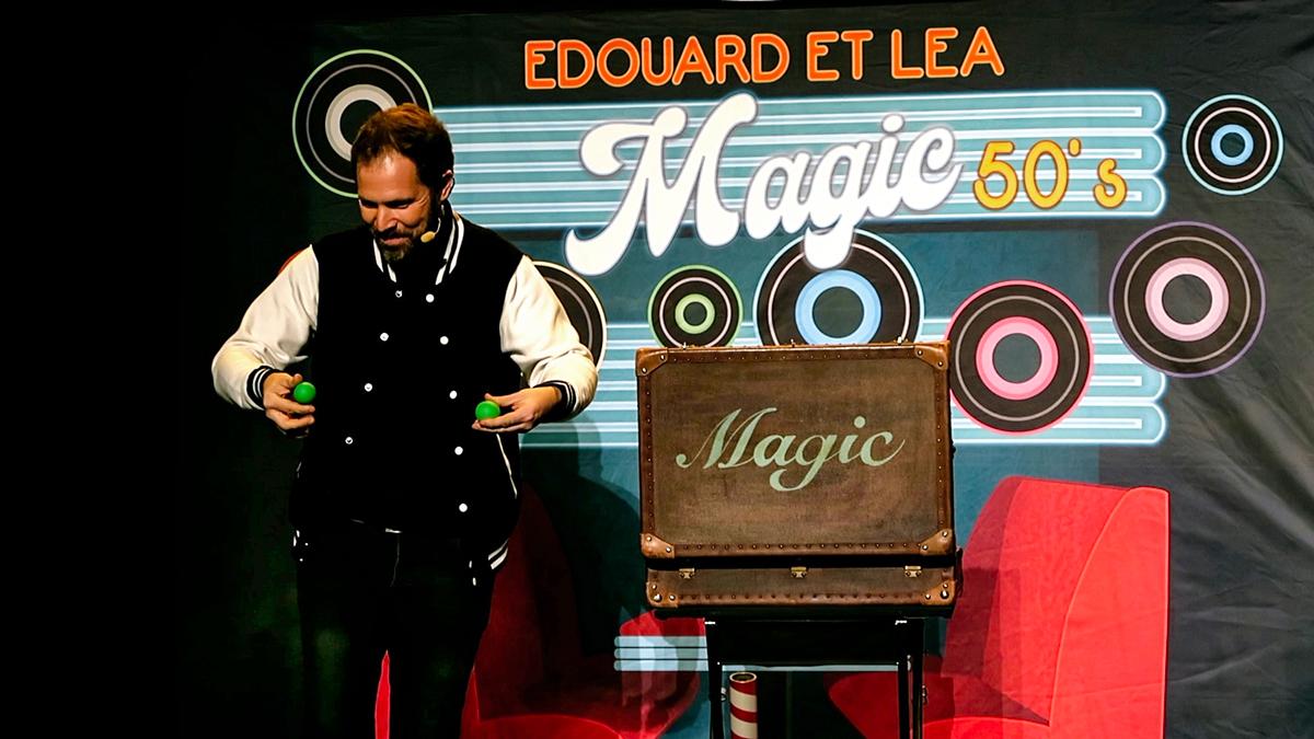 Edouard spectacle vous propose un spectacle de magie haut en couleurs